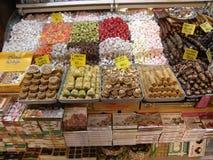 Sue le rahatlokum turc de halvas de plaisirs de gâteaux de baklava Photo stock