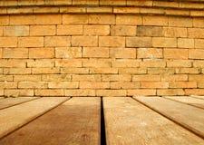 Suelo de la pared de ladrillo y de madera Fotos de archivo