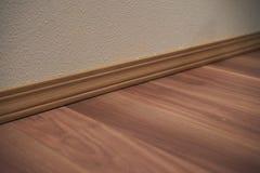 Suelo de madera del ajuste y de madera imagen de archivo