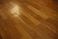 Suelo de madera diagonal del tablón Imágenes de archivo libres de regalías
