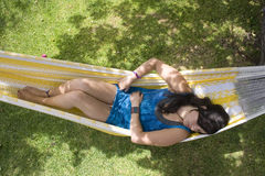 Sueño en hamaca Imagen de archivo libre de regalías