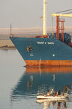 SUEZ CANAL/EGYPT - 3 JANUARI 2007 - het Algemene Vrachtschip San Stock Fotografie