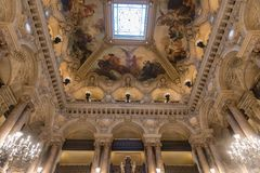 Sufit Uroczysty schody palais garnier opera w Paryż obrazy royalty free