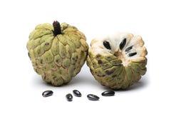 Sugar Apple vaniljsåsäpple, Annona, sweetsop på vit bakgrund royaltyfri fotografi