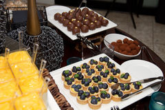 Sugar Confection Dessert Sweets Buffet sortido fotografia de stock