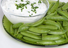 Sugar Snap Peas With Dip Royalty Free Stock Images