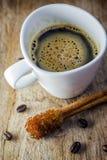 Sugar Stick Cinnamon y taza de café Fotos de archivo libres de regalías