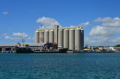 Sugar Terminal i stora partier, Caudan strand, Port Louis, Mauritius Royaltyfri Foto