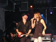 Sugarland Duo im Konzert Lizenzfreie Stockfotografie