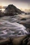 Sugarloaf Felsen auf Küstenlinie Lizenzfreie Stockbilder