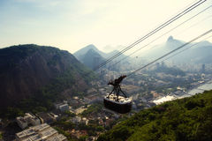 Sugarloaf Pao de Acucar Mountain Cable Car Rio Skyline Royaltyfri Bild