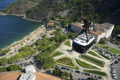 Sugarloaf Pao de Acucar Mountain Cable Car Rio Skyline Royaltyfria Bilder