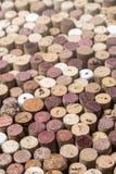 Sugheri del vino come fondo, Immagini Stock