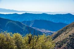 Sugli strati della natura San Gabriel Mountains Fotografie Stock