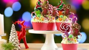 Sui bigné festivi di Natale della terra della caramella di tendenza immagini stock libere da diritti