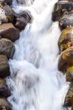 Sui flussi del fiume immagini stock libere da diritti
