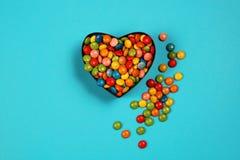 Suikergoed in een hart gevormde doos Royalty-vrije Stock Afbeelding
