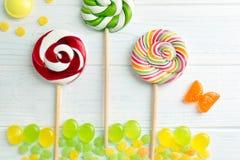 Suikergoed en lollys op achtergrond royalty-vrije stock foto's
