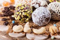 Suikergoed van zoete data en cachou, snoepjes van het oosten stock afbeeldingen