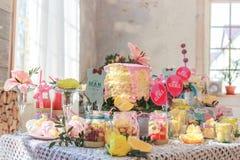 Suikergoedbar in zonlicht stock fotografie