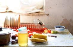 Suikermaïs op keukenlijst Royalty-vrije Stock Afbeelding