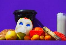 Suikerschedel en fruit I royalty-vrije stock fotografie