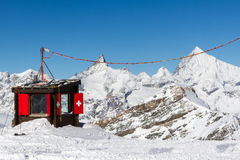 Suisse bergkoja Arkivbilder