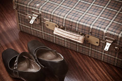 Suitcase adn shoes Royalty Free Stock Photography
