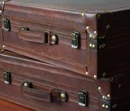 Suitecases de cuero, vintage Imagen de archivo libre de regalías