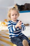Suivez les croisières supérieures pour des enfants Bateau de croisière de vacances de famille tout le voyage à forfait Croisière  Photos libres de droits