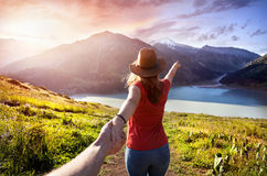 Suivez-moi au lac mountain image libre de droits