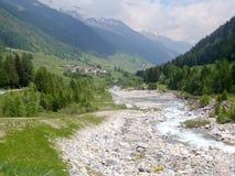 Suiza 2013 - pasos alpinos del viaje Foto de archivo