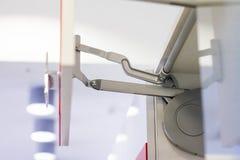 Sujeciones para la exhibición del estante Colocaciones para los muebles Closers, sujeciones para los muebles, los cajones y los g Imagen de archivo libre de regalías