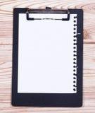 Sujetapapeles con el lápiz Fotografía de archivo