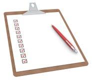 Sujetapapeles con la lista de comprobación X 10 y la pluma. Imagen de archivo libre de regalías