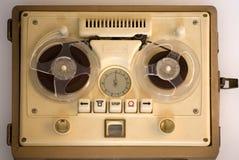 Sujetar con cinta adhesiva-registrador portable viejo Foto de archivo libre de regalías