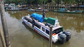 Sukadana Kalimantan de bateau Photographie stock libre de droits