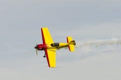 Sukhoi Su-26 aerobatics hyvlar Fotografering för Bildbyråer