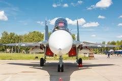 Sukhoi su-30 is een Russisch modern supermaneuverable supersonisch vechtersvliegtuig stock foto