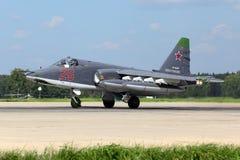 Sukhoi Su-25SM RF-93037 bierze daleko po modernizaci przy Kubinka bazą lotniczą rosyjska siły powietrzne Zdjęcie Stock