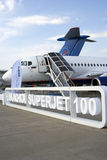 Sukhoi Superjet 100 på den internationella rymdsalongen för MAKS Royaltyfria Foton