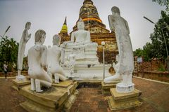 Sukhothai历史公园室外看法泰国古老菩萨雕象老镇在Wat Mahathat的在Sukhothai 图库摄影