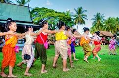 SUKHOTHAI, TAILÂNDIA 21 DE NOVEMBRO O estilo de vida retro da simulação e Imagens de Stock Royalty Free