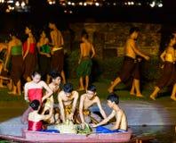 SUKHOTHAI, TAILÂNDIA 16 DE NOVEMBRO: Sho tailandês tradicional da luz e do som Imagem de Stock