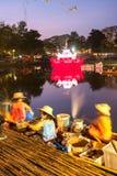 SUKHOTHAI, THAILAND-NOVEMBER 21 Symulującego retro styl życia i Zdjęcia Stock