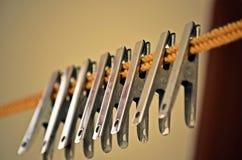 Sukienne obwieszenie klamerki Zdjęcie Stock