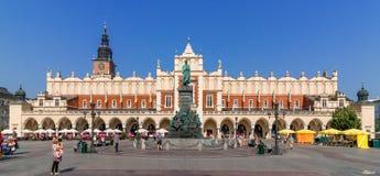 克拉科夫,波兰布料霍尔(Sukiennice) -主要集市广场 库存图片