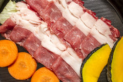 Sukiyaki的切的牛肉 静物画样式 免版税库存照片