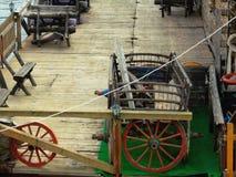 Sul giro dell'acqua una più vecchia automobile fotografia stock libera da diritti