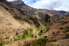 Sul modo a Nariz de Diablo nell'Ecuador Fotografie Stock Libere da Diritti